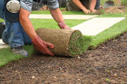 laying-sod-for-outdoor-landscaping